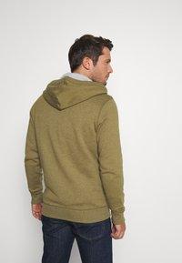 Tommy Jeans - ZIPTHROUGH - Zip-up hoodie - uniform olive - 2