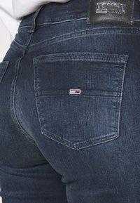 Tommy Jeans - NORA SKNY JDBST - Jeans Skinny Fit - jade dark blue - 4