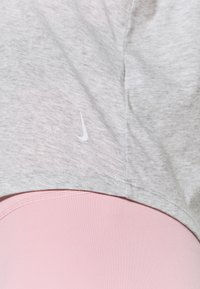Nike Performance - CROCHET TANK - Sportshirt - grey heather/white/platinum tint - 5