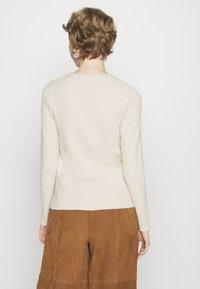 Pieces - PCBASSY O NECK - Stickad tröja - whitecap gray - 2