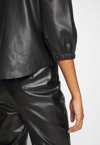 Vero Moda - VMBUTTERLOLA 2/4  - Skjorte - black - 6