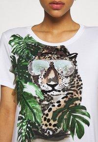 Marc Cain - Print T-shirt - khaki - 5