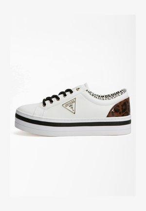 BHANIA LACKOPTIK LOGO - Sneakers laag - weiß