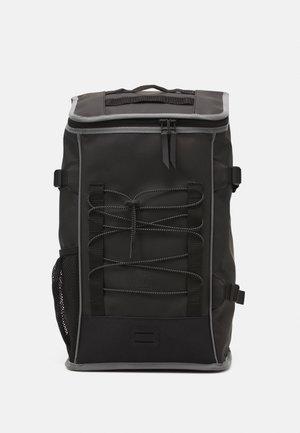 MOUNTAINEER BAG UNISEX - Rucksack - black