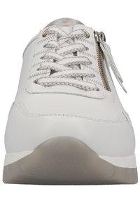 Gabor - Sneakers laag - weiss - 3