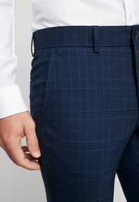 Lindbergh - CHECKED SUIT - Completo - blue - 6