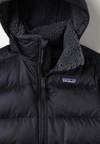 Patagonia - GIRLS - Winter coat - black - 4