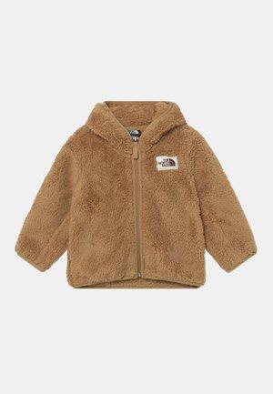INFANT CAMPSHIRE BEAR HOODIE UNISEX - Fleece jacket - moab khaki