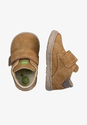 GAPPER - Zapatos con cierre adhesivo - camel