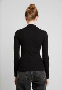 Monki - Camiseta de manga larga - black dark unique - 2