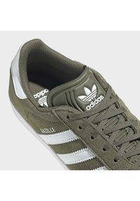 adidas Originals - Zapatillas - dark green - 9