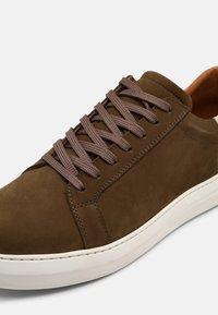 Shoe The Bear - APHEX - Tenisky - khaki green - 6