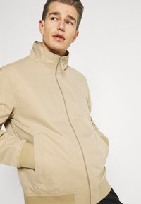 GANT - HAMPSHIRE  - Summer jacket - tan - 3