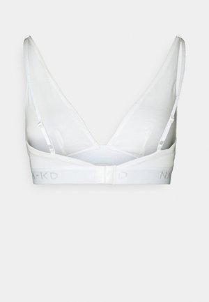 x NA-KD CASIA HIGH APEX  - Triangle bra - snow white