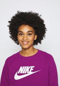 Nike Sportswear - CREW - Sweatshirt - cactus flower/white - 3