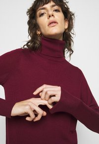 MICHAEL Michael Kors - TURTLE NECK - Jumper - dark ruby - 4