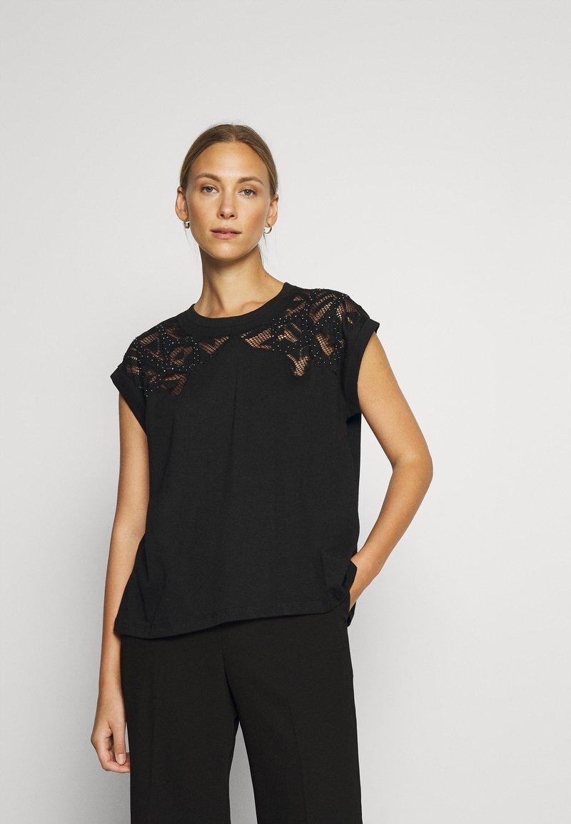 Desigual - LISBOA - Jednoduché triko - black