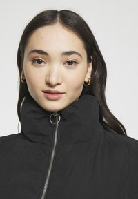 ONLY - ONLDINA SHORT QUILTED PUFFER - Winter jacket - black - 4