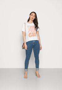 Rich & Royal - T-shirt z nadrukiem - white - 1
