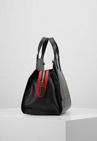 Emporio Armani - TOTE BAG - Håndtasker - khaki - 3