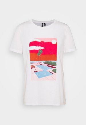 VMTRISHOLLY  - T-shirt imprimé - snow white