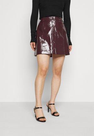 LADIES SKIRT PATENT - Minifalda - burgundy