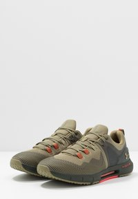 Under Armour - HOVR RISE - Obuwie treningowe - outpost green/baroque green - 2