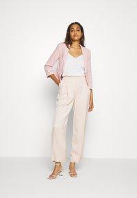 New Look - HARPER CROP BLAZER - Sportovní sako - pale pink - 1