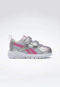 Reebok - REEBOK XT SPRINTER SHOES - Chaussures de running neutres - silver - 0