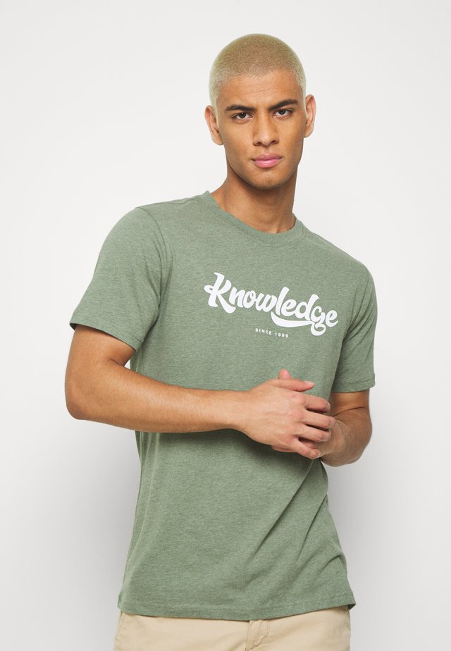 ALDER BIG TEE - Camiseta estampada - mottled green