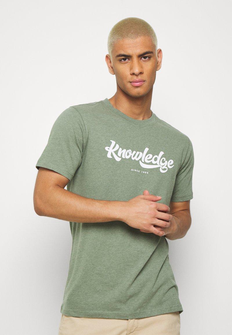 KnowledgeCotton Apparel - ALDER BIG TEE - T-Shirt print - mottled green