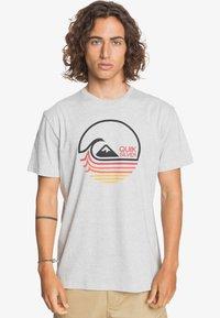 Quiksilver - Print T-shirt - athletic heather - 0