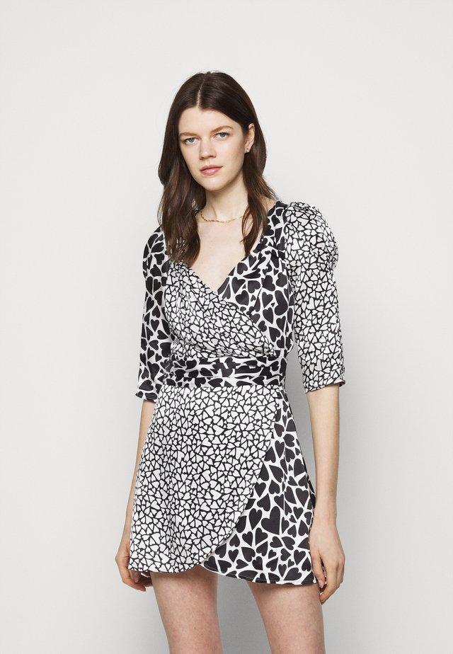 LEONIE DRESS - Denní šaty - white