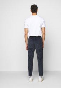 DRYKORN - JEGER - Trousers - blau - 0