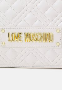Love Moschino - QUILTED SOFT - Across body bag - bianco - 7