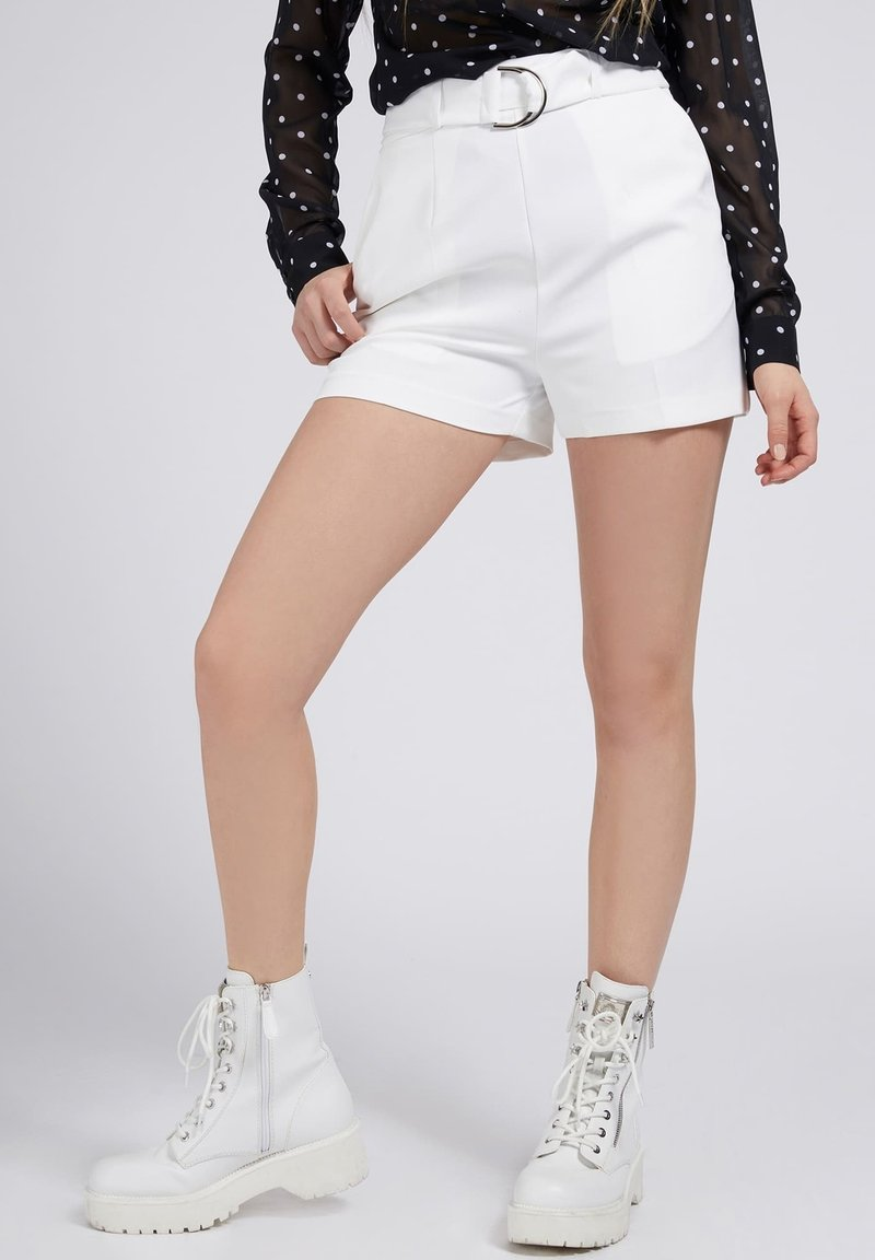 Guess - NEW SUZY - Shorts - weiß