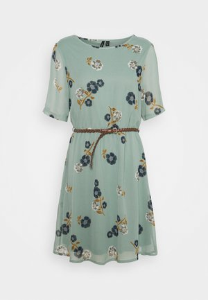 VMFALLIE BELT DRESS - Kjole - green milieu