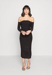 Missguided Petite - BARDOT SLINKY RUCHED MIDAXI DRESS - Koktejlové šaty/ šaty na párty - black - 0