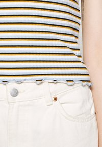 ONLY - ONLEMMA STRIPE - Print T-shirt - cloud dancer/blue/yellow stripes - 3