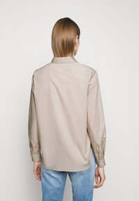 CLOSED - HAILEY - Button-down blouse - resin - 2