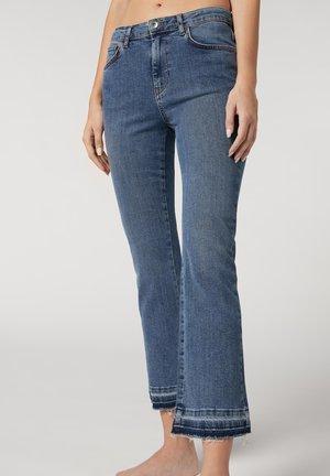 Flared Jeans - blau light denim blue