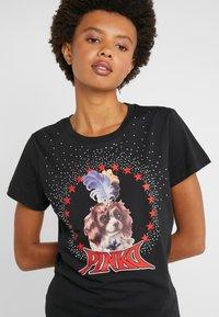 Pinko - PATACIA - T-shirts med print - nero limousine - 4