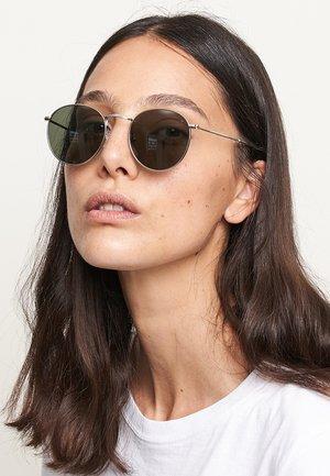 Sunglasses - silver olive