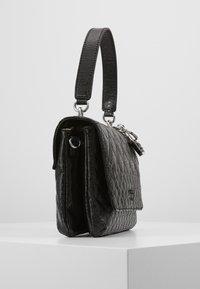Guess - QUEENIE TOP HANDLE FLAP - Across body bag - black - 4