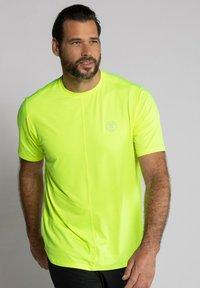 JP1880 - Basic T-shirt - jaune fluo - 0