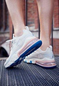 Nike Sportswear - AIR MAX 270 REACT - Trainers - summit white/ghost aqua/phantom/coral stardust/imperial blue/light bone - 4