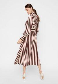 YAS - Shirt dress - rum raisin - 1