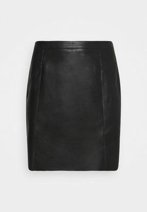 VMNORARIO SHORT COATED SKIRT - Jupe crayon - black