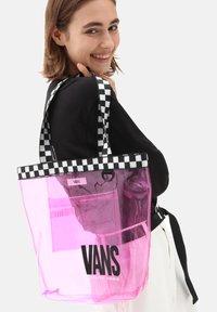 Vans - WM HIGH KEY TOTE - Tote bag - orchid - 0