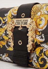 Versace Jeans Couture - SHOULDER BAG - Borsa a mano - black - 3